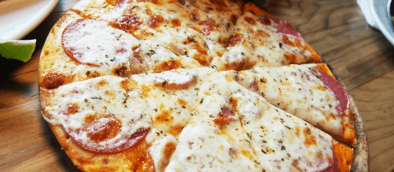 Pizza-op-plank