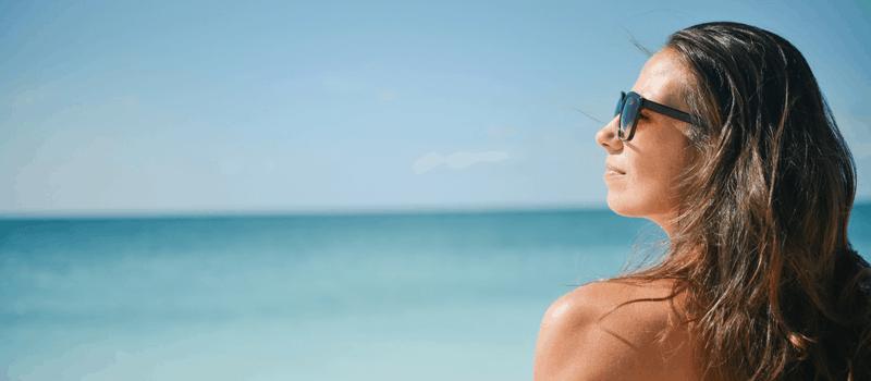 vrouw in de zomer