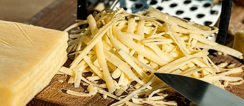Koolhydraatarm kaasballetjes maken? Ze zijn heerlijk als borrelhapje!