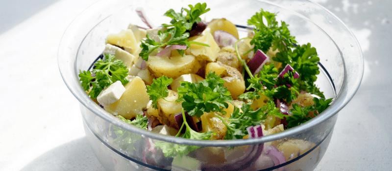 Koolhydraatarm vegetarische aardappelsalade maken? Het makkelijkste recept!