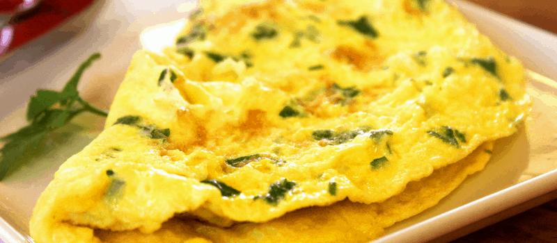 Zelf een vegetarische koolhydraatarme Indiase omelet maken? Zo doe je dat