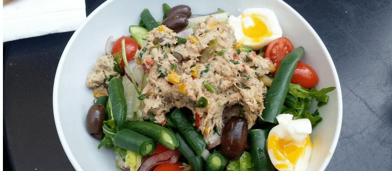 Eenvoudige tonijnsalade met kool maken? Verrukkelijk gezond smullen!