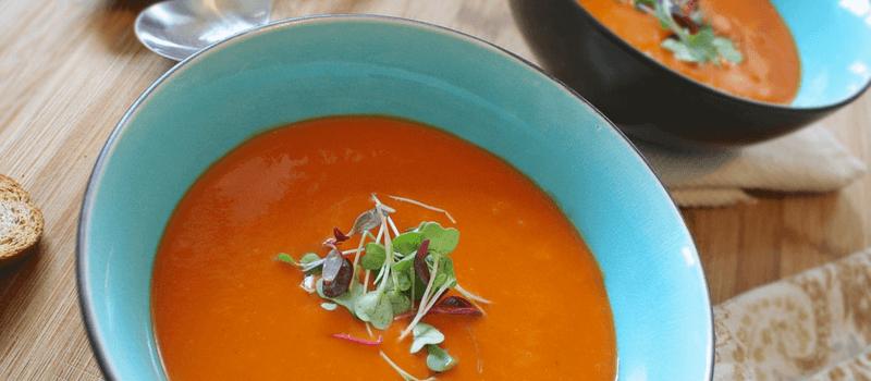 Koolhydraatarm tomatensoep een eenvoudige zelfgemaakte soep die je moet proberen!