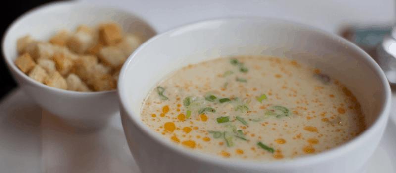Zelf vegetarische mosterdsoep maken? Heerlijk recept voor pittige mosterdsoep met prei