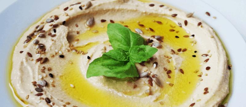 Zelf hummus maken? Gebruik dit gezonde en eenvoudigerecept eens!