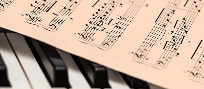 Piano leren spelen? ALLERBESTE Pianoles van René!