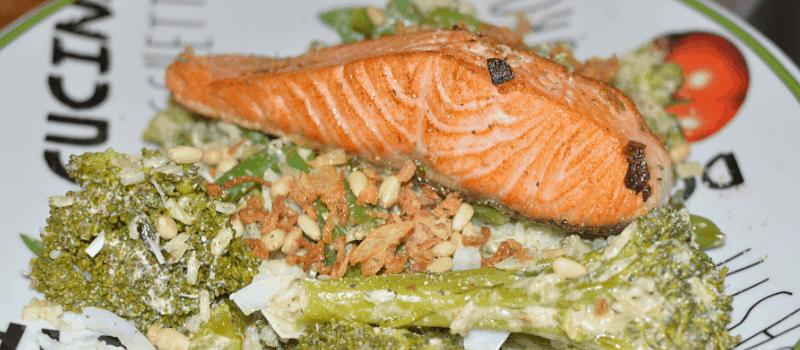Zalm broccoli en zilvervliesrijst