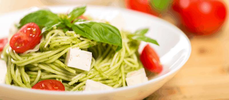 pasta pesto met kip en paprika