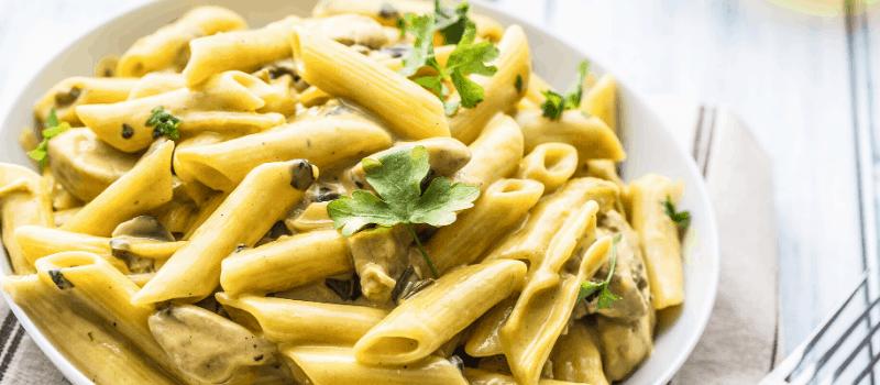 Pasta met champignons en kip