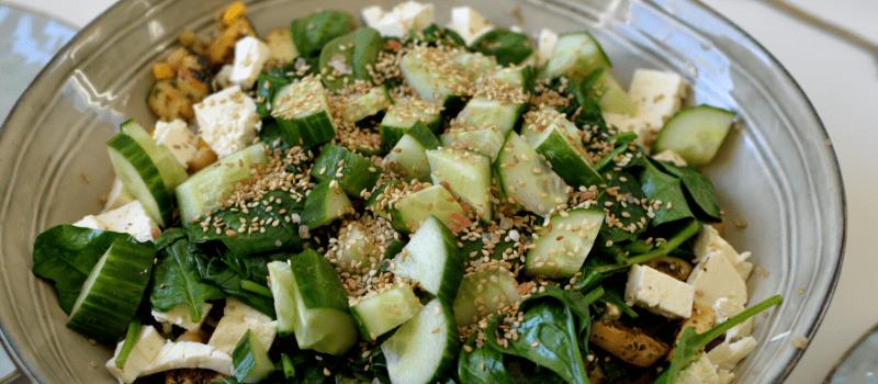 Quinoa salade met komkommer maken
