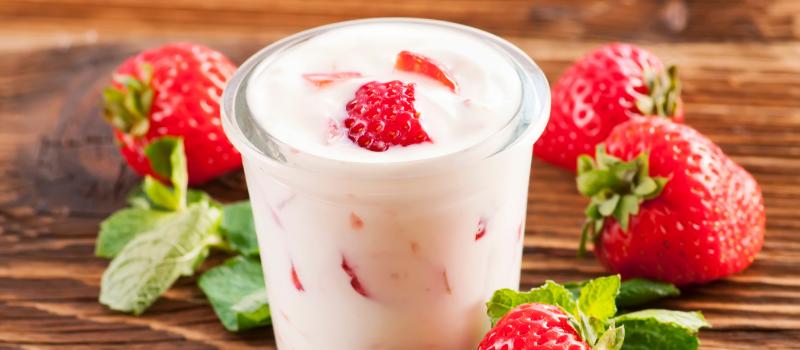 Frozen yoghurt met aardbeien